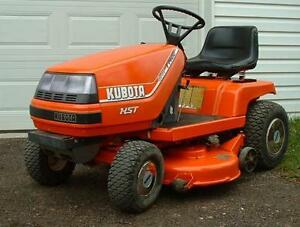 KUBOTA T 1400 TRACTOR/LAWN TRACTOR/With Cut Deck