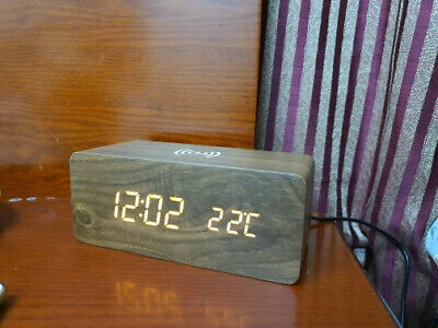 Réveil Led horloge Avec Chargeur Qi Batterie Sans Fil contrôle par son