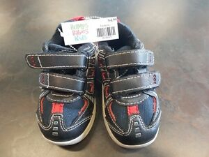 Boys Size 5 Runners by Athletic Works