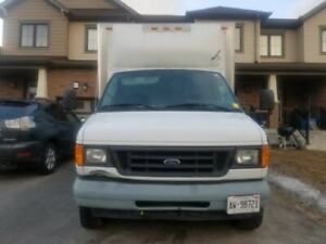 2004 Ford E-450 17' Cube Truck