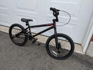 BMX, vélo état neuf