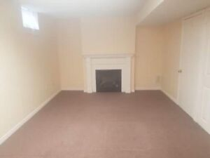 Great location! Lower Level Apartment for rent in Mississauga!