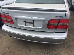 2000 VOLVO S70 COMPLETE CAR FOR PARTS ONLY