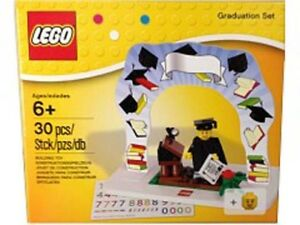 Lego limited Box Classic Minifigure Graduation Set # 850935 NEW