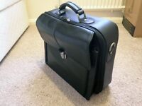 LEATHER LAPTOP CARRYING BRIEFCASE / BAG / CASE / SATCHEL (MENS, BLACK, USED)