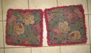 2 decorative cushions with flower print