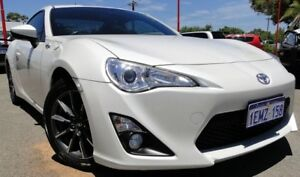 2013 Toyota 86 ZN6 GT White 6 Speed Manual Coupe