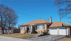 Large lot bungalow FOR SALE in Toronto   #49