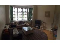 HURRY!!! Call Now For This Amazing 2 Bedroom 1st Floor Flat In North London Not To Be Missed!!