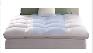 Pacific Coast Feather Company Baffle Box Feather Mattress cover