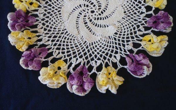 True Vintage Purple Ruffled Crochet Lace Doily Yellow Pansies Pinwheel Center 11