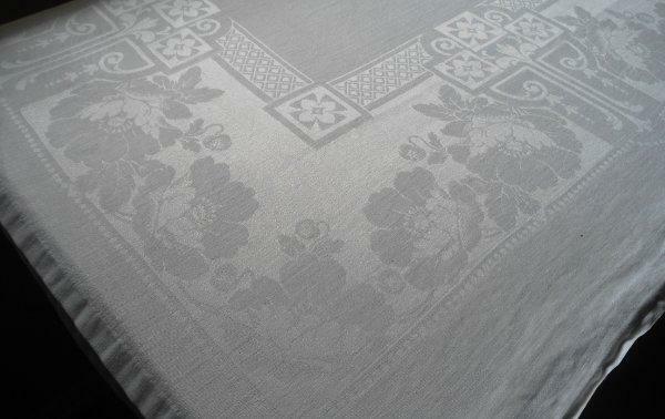 "Vintage Irish Linen Double Damask Tablecloth Deco Poppy Dots Diamonds 86"""