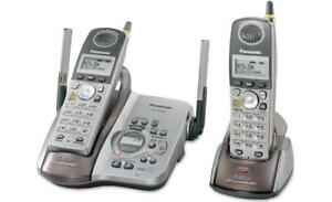 PANASONIC 5.8 GHz CORDLESS PHONE WITH DUAL HANDSETS