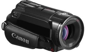 Canon VIXIA HF S200 Full HD with 2 Batteries