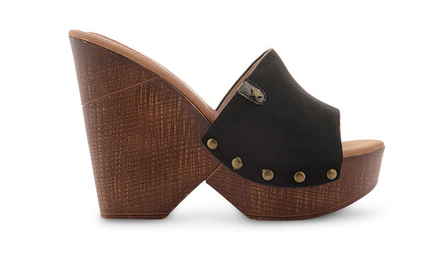 A Womans Guide to Stylish Mules