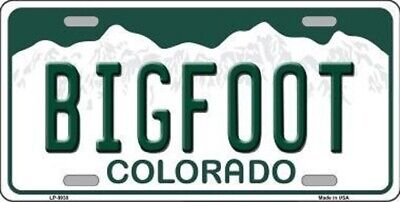 BIGFOOT COLORADO STATE BACKGROUND METAL NOVELTY LICENSE PLATE -