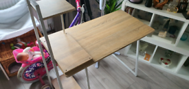 Desk with white steel frame