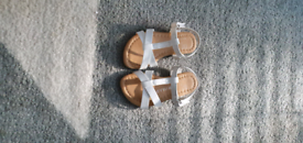 Toddler sandals size 5 new
