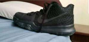 Kyrie Irving boys basketball shoes