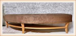 Table basse / banc / pouf rembouré