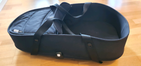 Bugaboo bee 5 carry cot + adapters
