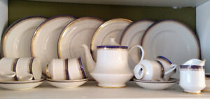 Royal Albert 6-place set china