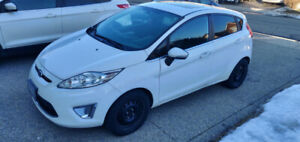 2011 FORD FIESTA SES - FULLY LOADED