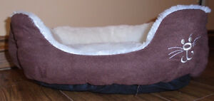 Pet Accessories - small dog/cat bed $15 & 3 step ladder $20