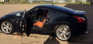 2011 Nissan 370Z Coupe (2 door)