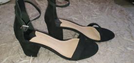 DorothyPerkins size 5 heels