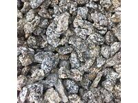 900 kg sack Silver/Pink Granite garden chips
