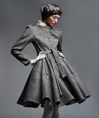 Vintage-Damenmode neu entdeckt: authentische Jacken & Mäntel von damals