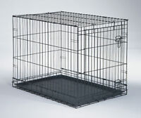 2 Kennels for sale XL Wire kennel, one Large plastic