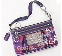 COACH LARGE WRISTLET --  LIKE NEW -- PRICE DROP - $ 30 FIRM