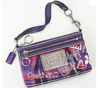 COACH LARGE WRISTLET - LIKE NEW - $ 40 FIRM