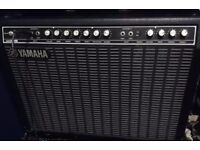YAMAHA COMBO HUNDRED B212 in good working order