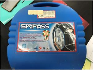 Ski Pass Wheel Chains Beverly Hills Hurstville Area Preview