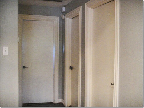 3 INTERNAL WHITE WOOD DOORS NOW £25 ONO