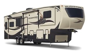 MUST SEE! 41ft, 2014 Crossroads 'Rushmore' Lincoln 5th Wheel