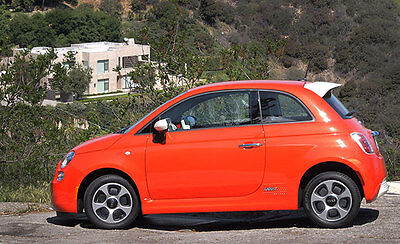 First Drive: Fiat 500e Offers EV Charm, Range and Great Price