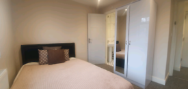 Ensuite room available now