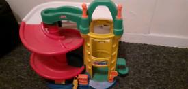 Plastic toy carpark
