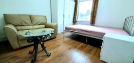 Big double room for rent, furnished, east London Uptonpark