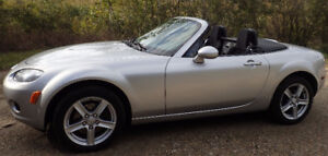 2006 Mazda MX-5 Miata GX Convertible in excellent condition