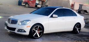 Mercedes Benz 2012 C250 4matic mint!!