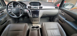 Honda Odyssey 2016 EXL/ remaining lease 2 yrs