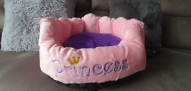 Small Pet snuggle bed