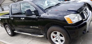 2007 Nissan Titan SE 4x4 with 138,000 kms