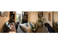 Huge Double Room with Gorgeous Garden - Perfect for Couple