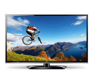 """Wanted - 55"""" LED TV WITH BROKEN SCREEN. NEED BACKLIGHTING"""